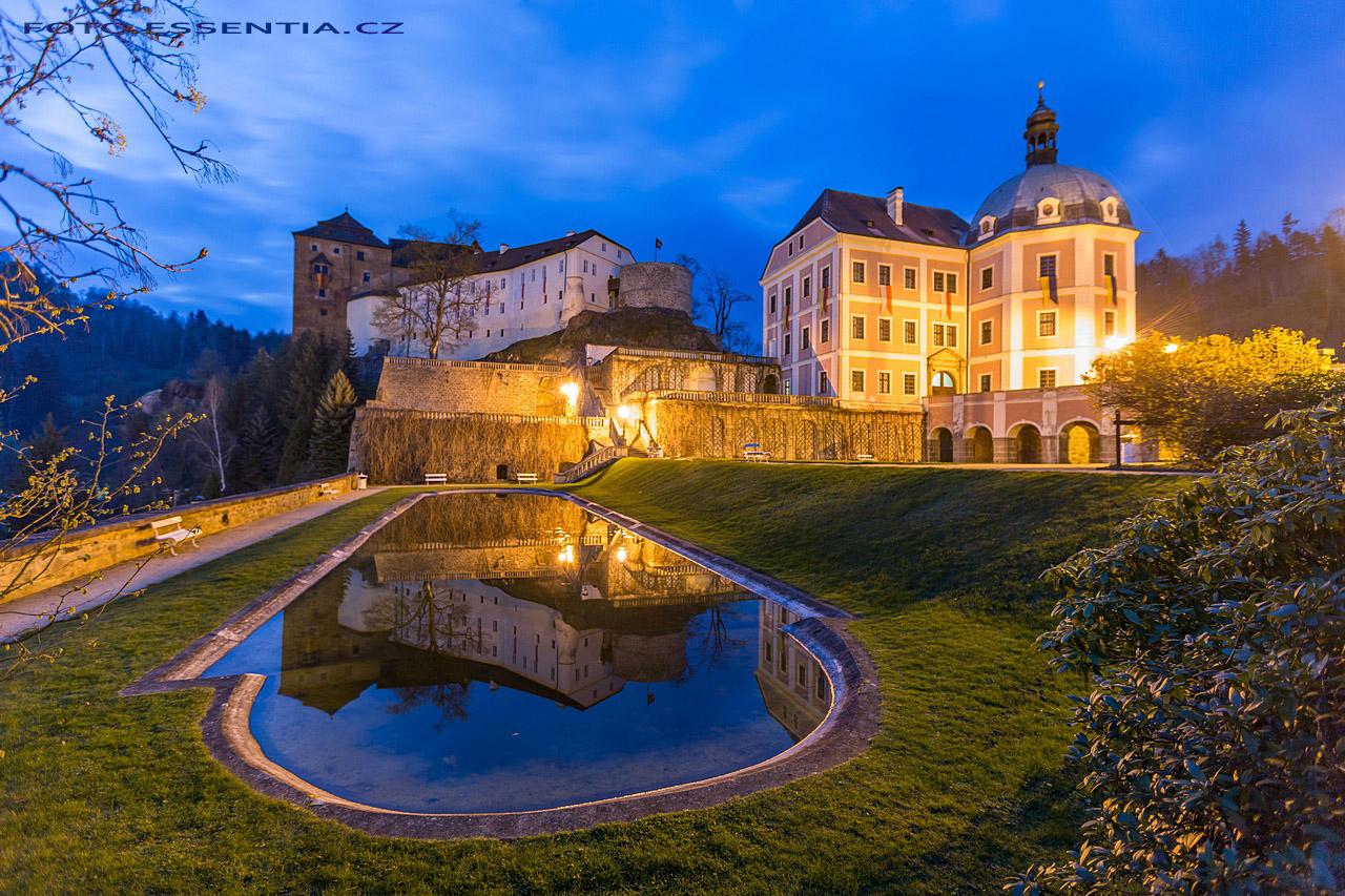 Noční zámek v Bečově nad Teplou